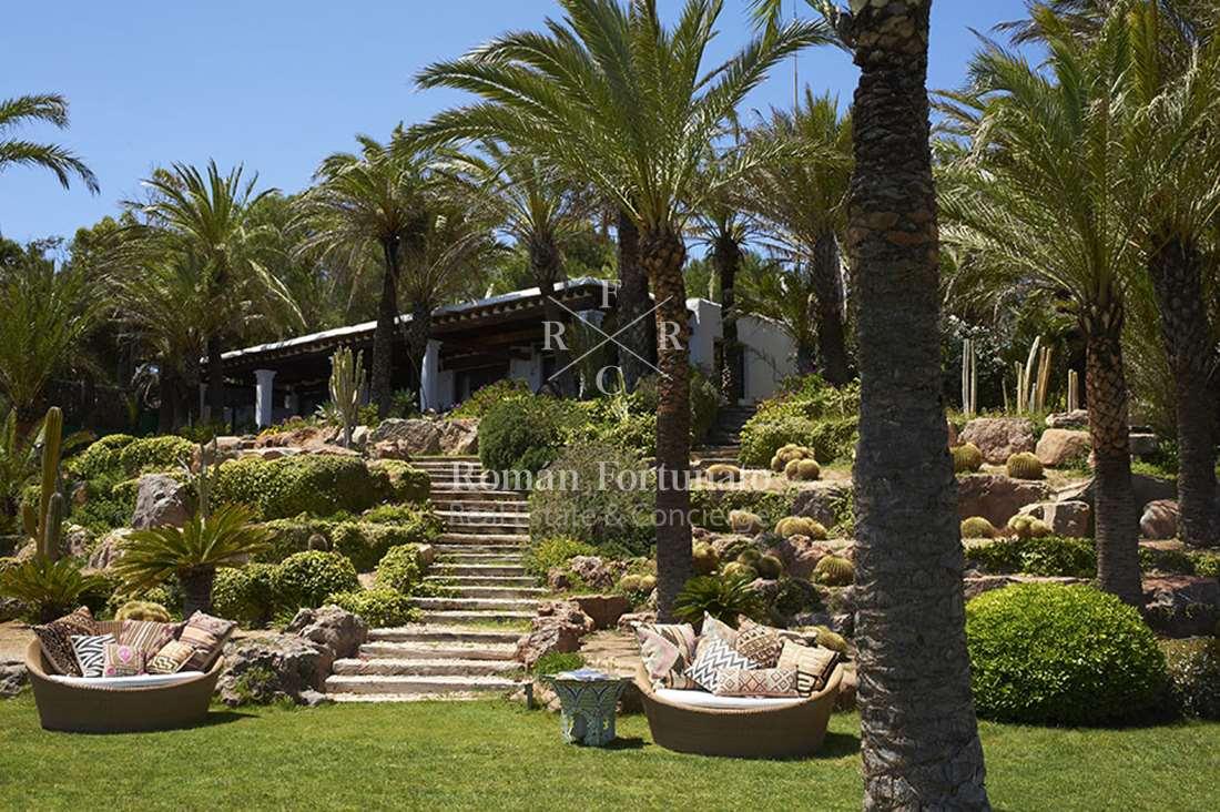 RF1 Villa Azul – San Carlos – Access to the sea – Roman Fortunato ...