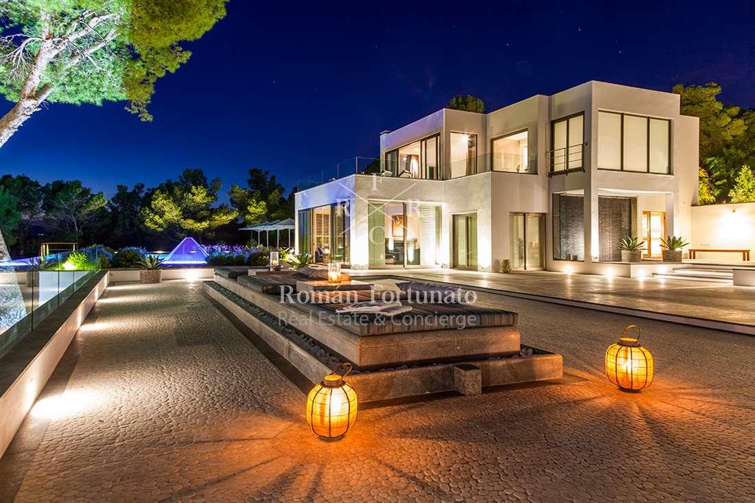 RF7 Villa Miller – San Jose km6 – 7 bedrooms – Roman Fortunato ...